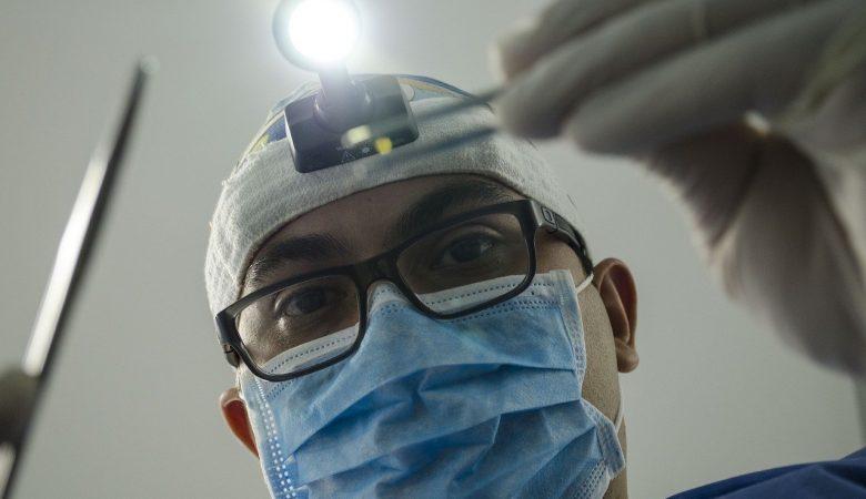 dentist 4373290 1280
