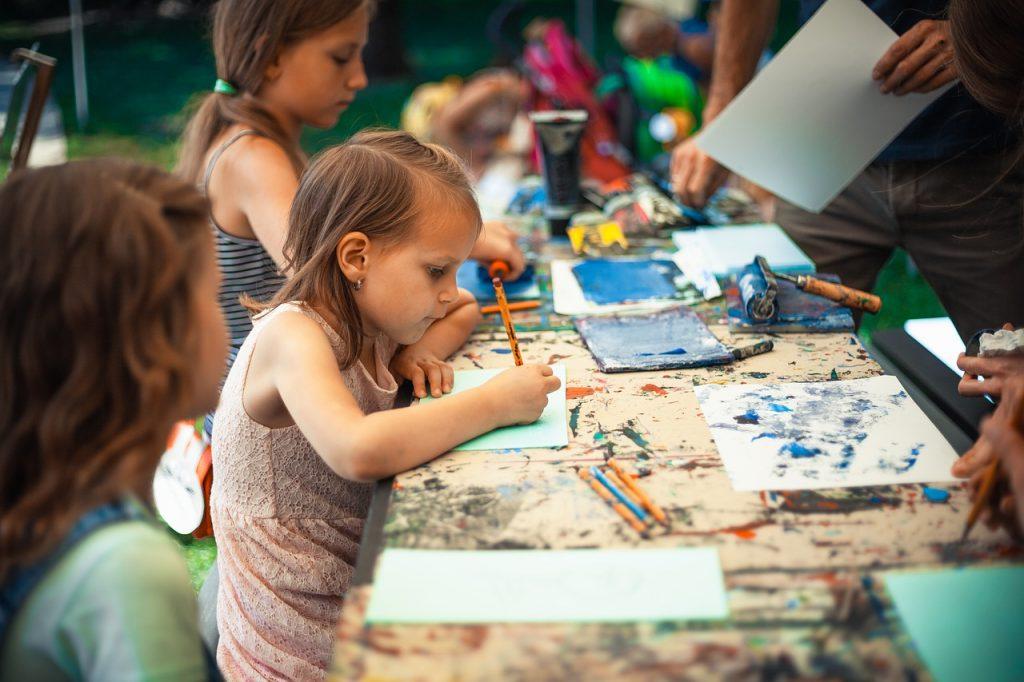 kids group art